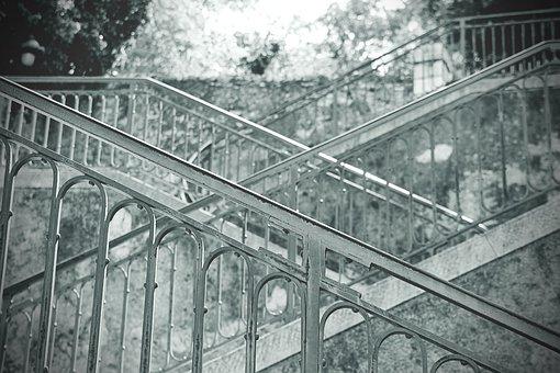 Aluminum Handrailing: Customized Landscaping